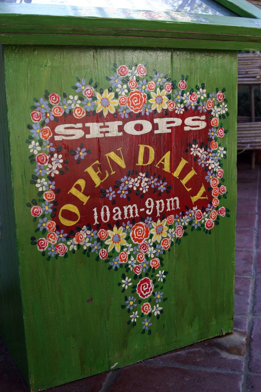 painted signage - Shops Open Daily 11am-9pm