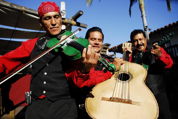 Los Rios Mariachi Fusion at Casa de Reys